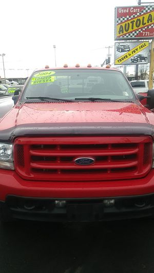 2004 Ford F-350 XLT Super Duty Power Stroke V8 Diesel 4 by 4 138000 miles runs and drives got it excellent for Sale in Portland, OR
