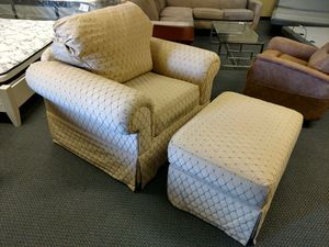 Chair and Ottoman for Sale in Union City, CA