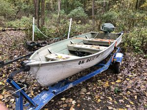 12' Aluminum fishing boat with 10hp Johnson for Sale in New Franklin, OH