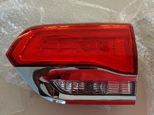2014-2017 Jeep Grand Cherokee Lift Gate Lamp, Passenger Right for Sale in San Diego, CA