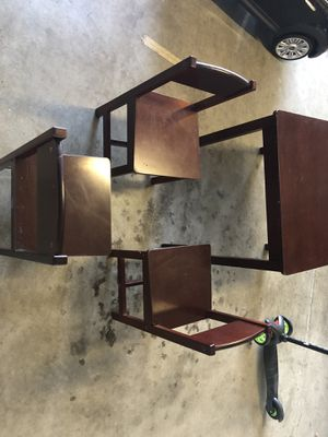 Kids Kraft-Table/3 chairs for Sale in Clovis, CA