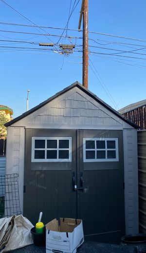Rubbermaid's Shed 7x7 less then 6 mo. Old for Sale in Montclair, CA