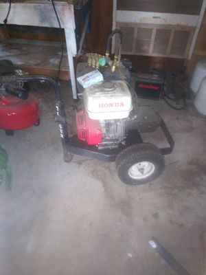 Pressure washer Honda 13.1 HP for Sale in Lacey, WA