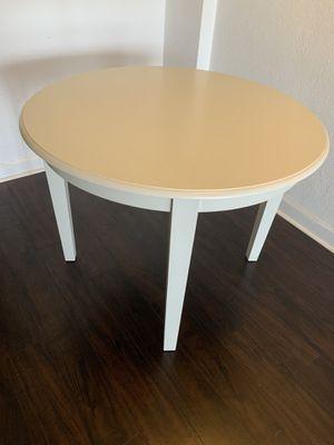 Cream kitchen table for Sale in Miami, FL