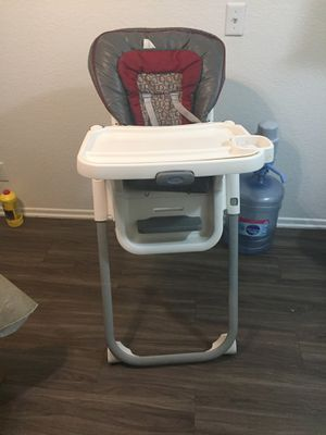 Baby toddler high chair for Sale in Rialto, CA