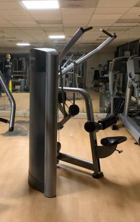 Pull Down Workout Machine For Sale! for Sale in Providence, RI