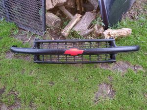 99-06 grille for Sale in Lomira, WI