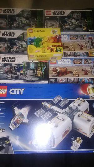 LEGO'S LEGO CITY light bricks, STARWARS, classic Legos for Sale in Fresno, CA