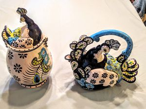 Peacock tea kettle and cookie jar for Sale in Bonney Lake, WA