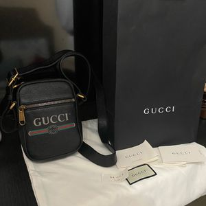 Gucci Messenger Bag for Sale in Moreno Valley, CA