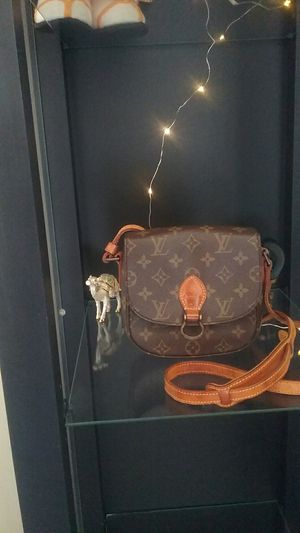 Authentic Louis Vuitton for Sale in Daly City, CA