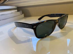 Ray Ban Wayfarer Smaller Frame Size for Sale in Columbus, OH