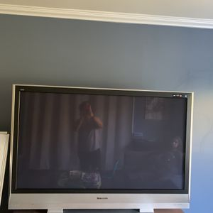 65 inch Panasonic TV for Sale in Chino, CA