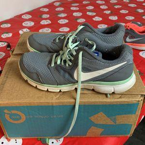 FREE 7.5 Ladies Shoes for Sale in Allen Park, MI