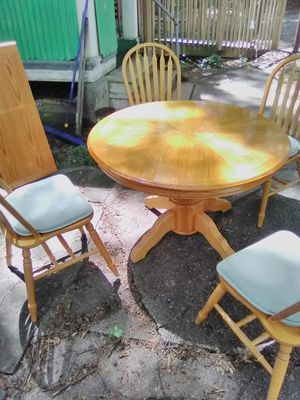 All wood kitchen table, with leaf and chairs for Sale in S HARRISN Township, NJ