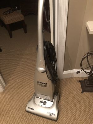 Vacuum... works great!! Handle needs gluing or tape... Couple New Bags!! for Sale in Baltimore, MD