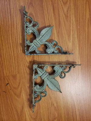 Cute shelf brackets! for Sale in Sacramento, CA