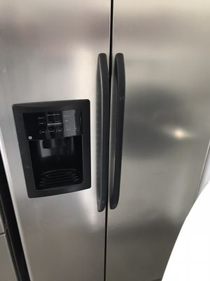 GE stainless steel side-by-side refrigerator fridge with water and ice maker DELIVERY for Sale in Federal Way, WA