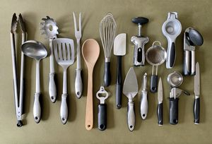 18 pcs. O X O stainless steel kitchen tools, $5 EACH OR $49 FOR ALL for Sale in Kissimmee, FL