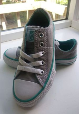 All Star Converse size 2y for Sale in Renton, WA