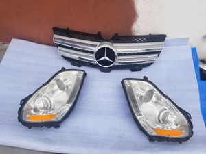 2007 to 2012 Mercedes GL 350 , 450 , 550 Headligths Rh,Lh & grill Oem parts for Sale in Downey, CA