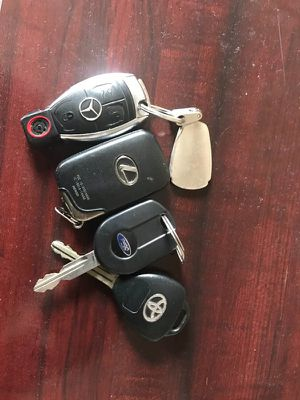 Keys-Mercedes,lexus,ford,Toyota for Sale in Carnegie, PA