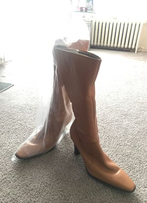 Genuine leather never worn mint condition size 10 for Sale in Vineland, NJ