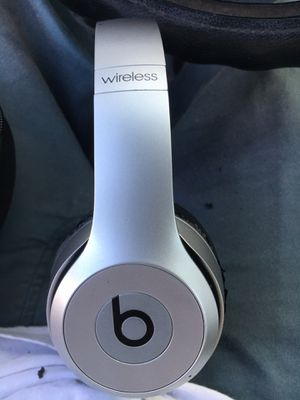 Beats solo headphones for Sale in San Marcos, CA