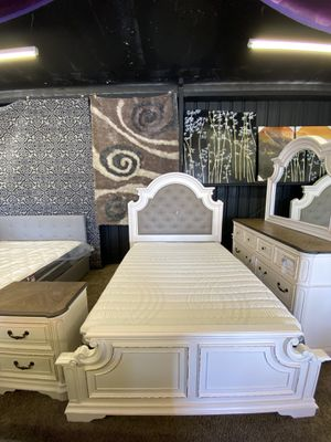 Queen Bedroom set for Sale in Bakersfield, CA