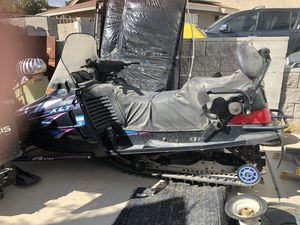 John Deers and Polaris Snowmobiles for Sale in Las Vegas, NV
