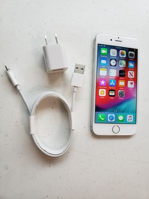 APPLE IPHONE 6 64 GB UNLOCKED COLOR SILVER INCLUDED CHARGER WORKS VERY WELL PERFECT CONDITION for Sale in Taylorsville, UT