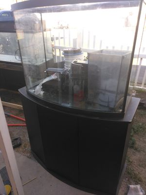 60 gallon fish tank for Sale in Las Vegas, NV
