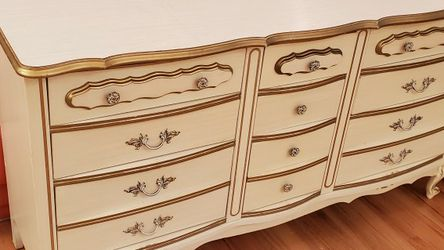 French Provincial Style Dresser Beige With A Gold Trim. for Sale in Shoreline,  WA