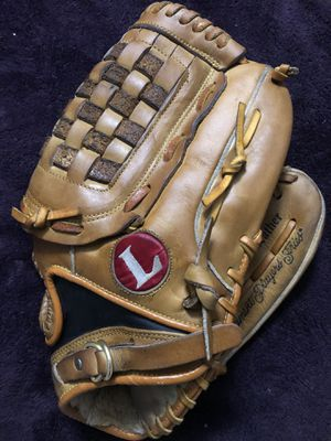 Louisville Slugger TPS Softball Glove for Sale in Hacienda Heights, CA