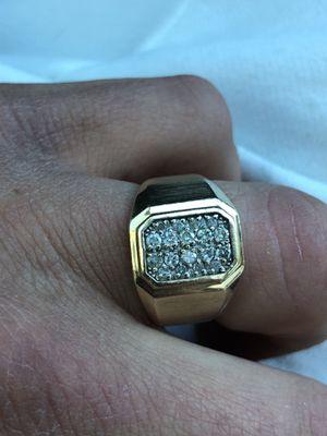 10 k Gold diamond men's ring for Sale in Salinas, CA