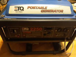 TQ TG17M41 portable 2250 watt generator like new! for Sale in Augusta, KS