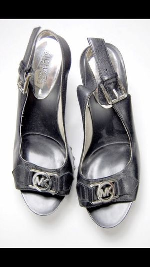 Michael kors high heels shoes size 6 1/2 for Sale in Las Vegas, NV