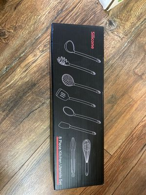 Kitchen utensil set for Sale in Streamwood, IL