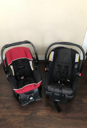 2 baby car seats for Sale in Joint Base Andrews, MD