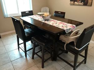 Dining set: Rooms to Go Julian 5 piece table, chairs and stools for Sale in Miramar, FL