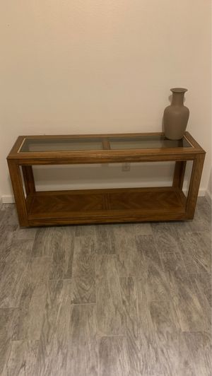 """Console/Sofa table wood. Great condition. 54""""Wide X 26"""" High X 16"""" Deep. Double glass top. No longer need it. Redecorating and doesn't match new fu for Sale in Hemet, CA"""