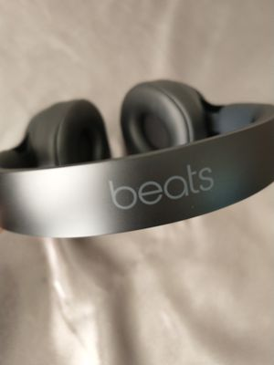 Beats Solo Pro Headphones - Black for Sale in Colonial Heights, VA