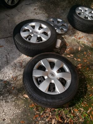 Tires and rims for Toyota 215/60/16 for Sale in Tampa, FL