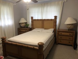Tommy Bahama bedroom set for Sale in Pompano Beach, FL