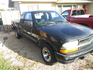 2003 Chevy S10 / 2.2 for Sale in Hialeah, FL