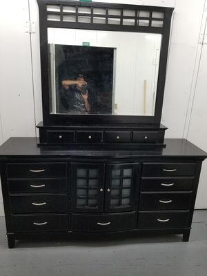 5 piece bedroom set California King for Sale in Whittier, CA
