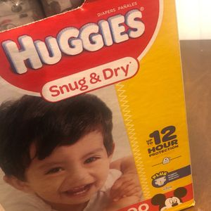 $50, 200 Count Size 4 Huggies Diapers for Sale in Pico Rivera, CA