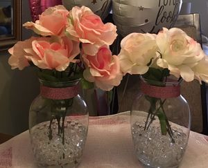 Flowers with vase ( 13 sets sold separately) for Sale in Owings Mills, MD