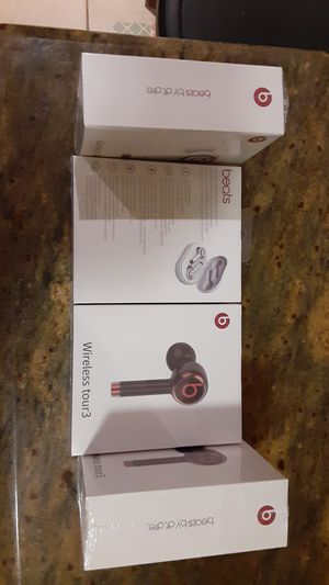 Wireless tour3 beats by dr.dre. brand new in plastic 30$ for Sale in Philadelphia, PA
