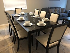 Dining room table set and chairs for Sale in Orlando, FL